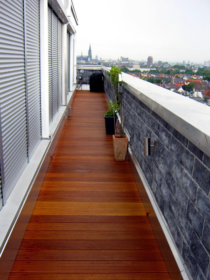 terrasse erneuern die bestehende abdichtung und dmmung der garage wurden erneuert der erfolgte. Black Bedroom Furniture Sets. Home Design Ideas